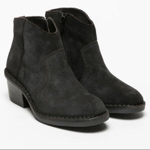 NWT Fly London Black Suede ankle boots size 36 / 6